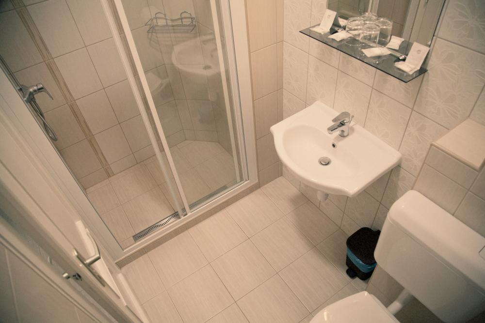 7-es szoba fürdő